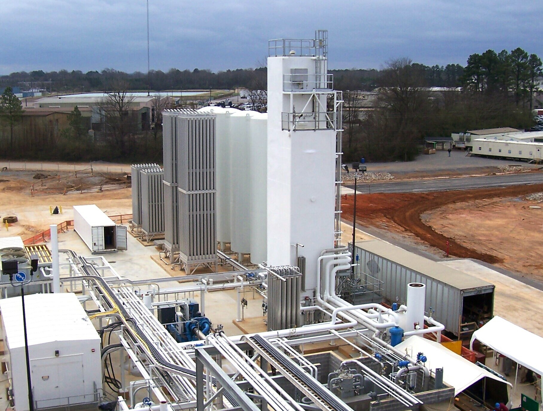 UIG installed - UCG operated air separation plant providing nitrogen and oxygen to Hunt Refining in Alabama