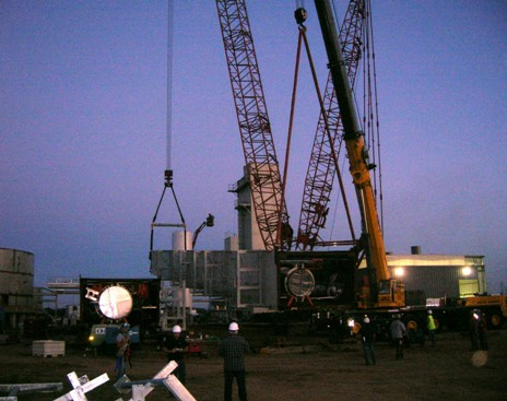 Cranes being set up to raise the third ASU cold box module.